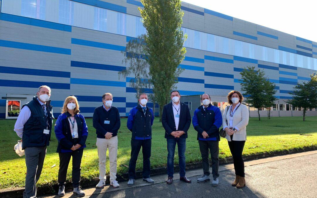 Representantes de AMAC visitan la empresa de componentes nucleares ENSA